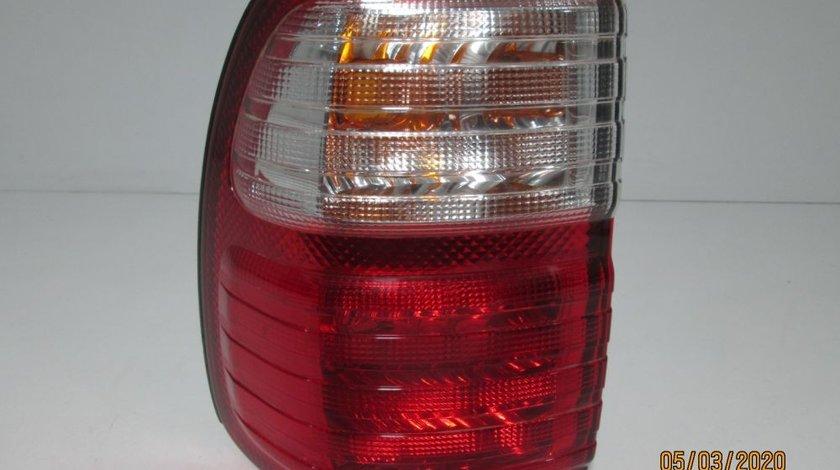 Stop stanga pe aripa Lexus LX470 an 2005-2007 cod producator