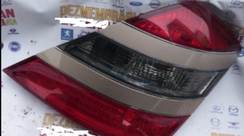 Stop tripla lampa dreapta Mercedes s class s320 w221 motor 3.0CDI om642
