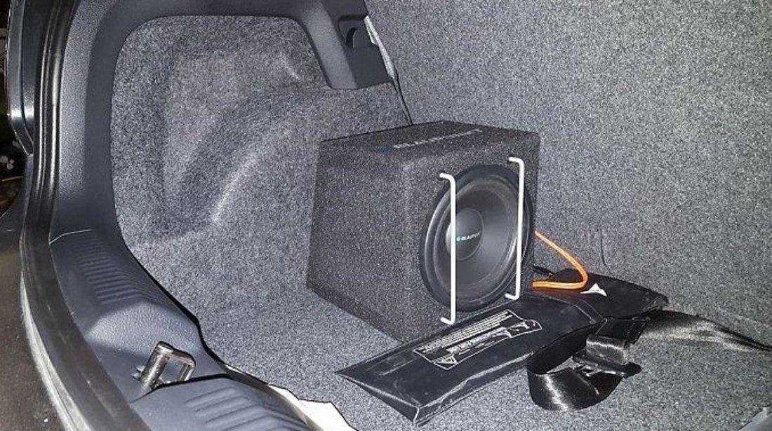 Subwoofer Auto Activ BLAUPUNKT GTB 8200A 20 cm Putere Maxima 200 W