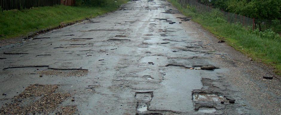 Suntem iar de rasul curcilor. Romania are drumuri mai proaste decat tarile din lumea a 3-a