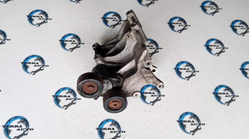 Suport accesorii Hyundai Tucson 2.0 CRDI 83 KW 113 CP cod motor D4EA