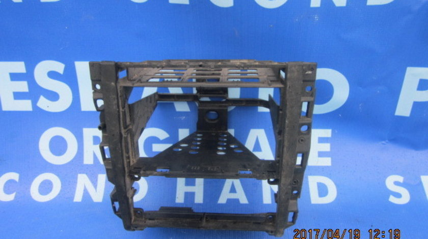 Suport casetofon VW Golf 4: 1J1858071