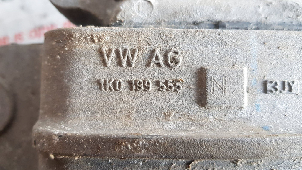 Suport cutie viteze stanga VW Touran I 1.6 FSi 115 cai motor BLP cod piesa : 1K0199555N
