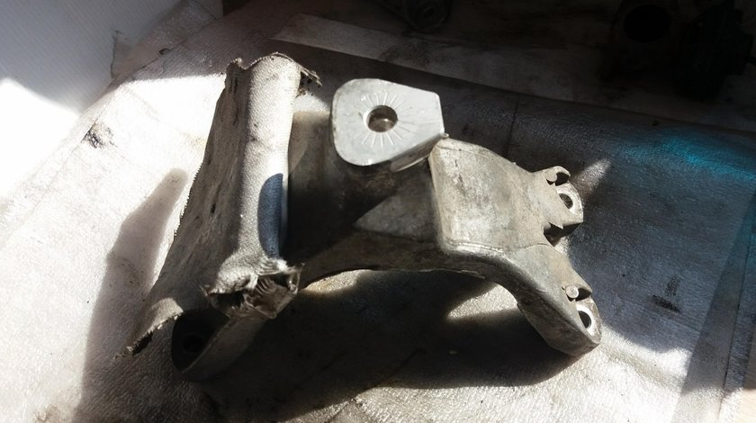 Suport motor dreapta audi a4 8k b8 2012 2.0 tdi 8k0199308be