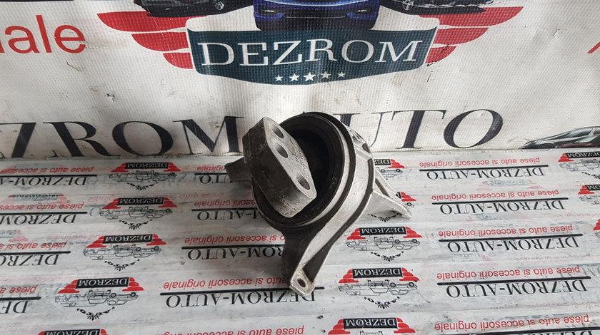 Suport motor dreapta Opel Astra H 1.9 CDTI 16V 120cp cod piesa : 24427298