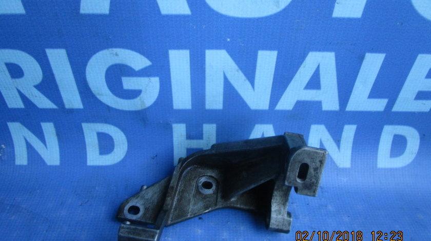 Suport pompa injectie Renault Scenic 1.9dci; 7700115681