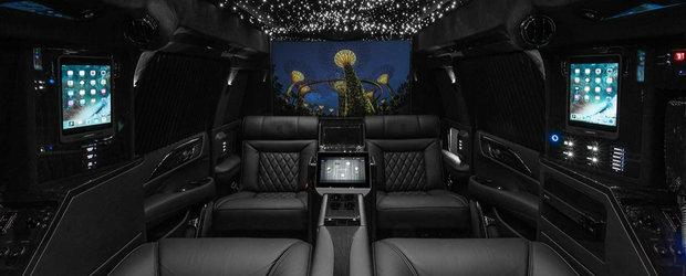 SUV-ul asta duce luxul la un alt nivel. Are peste 5 metri lungime si un interior din care nu ai mai cobori