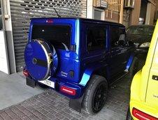 Suzuki Jimny transformat in Mercedes G-Class
