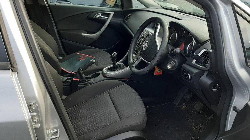 Switch frana Opel Astra J 2012 Break 1.7 CDTI