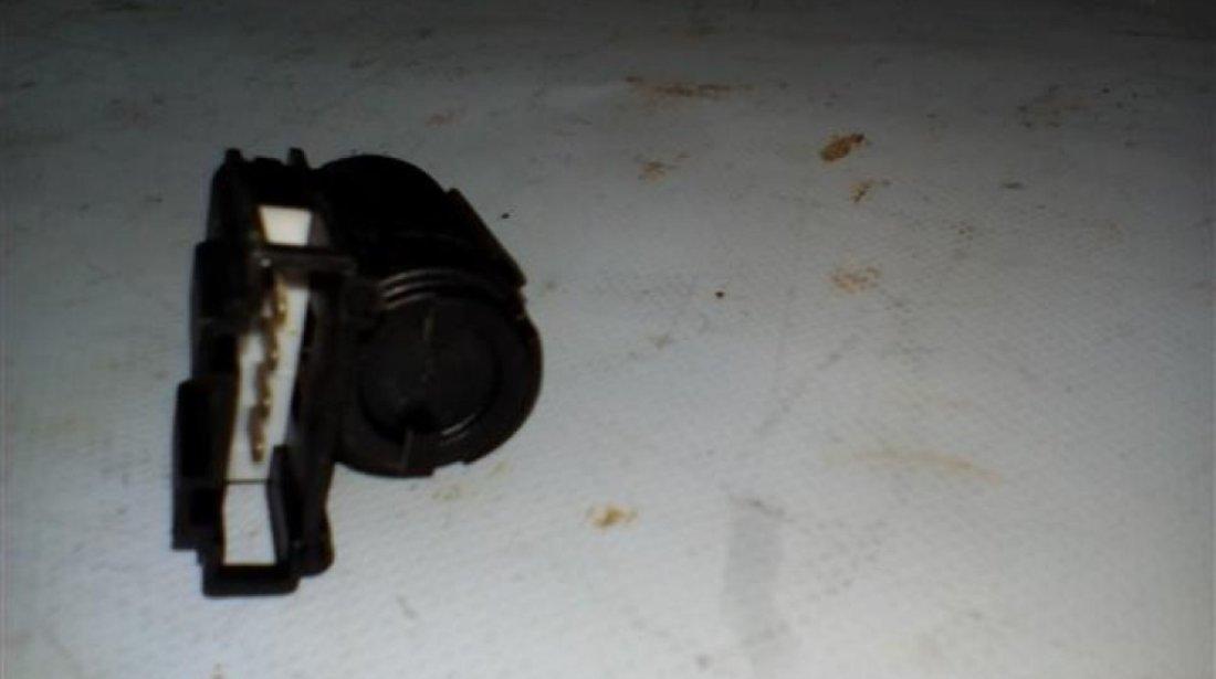 Switch pedala frana A4 B7 An A4 B7 An 2005-2008 cod 3B0945511C
