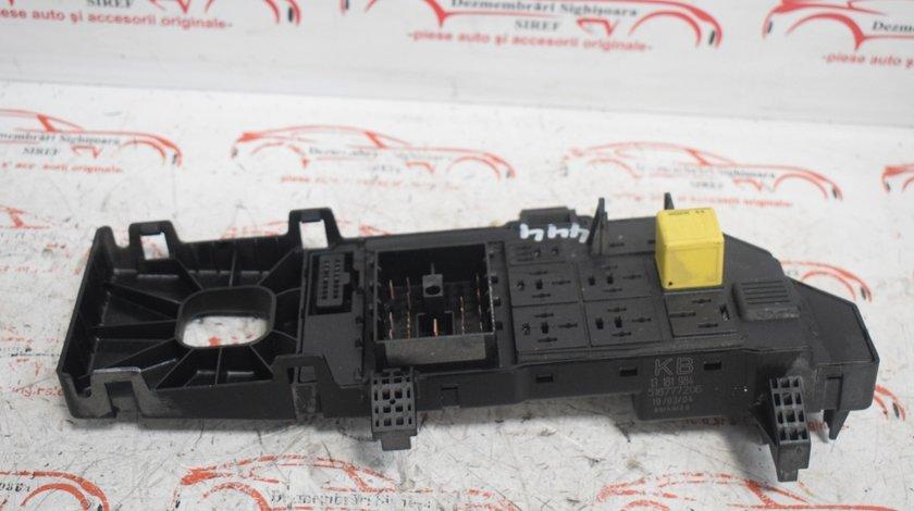 Tablou Panou sigurante 13181984 Opel Vectra C 444