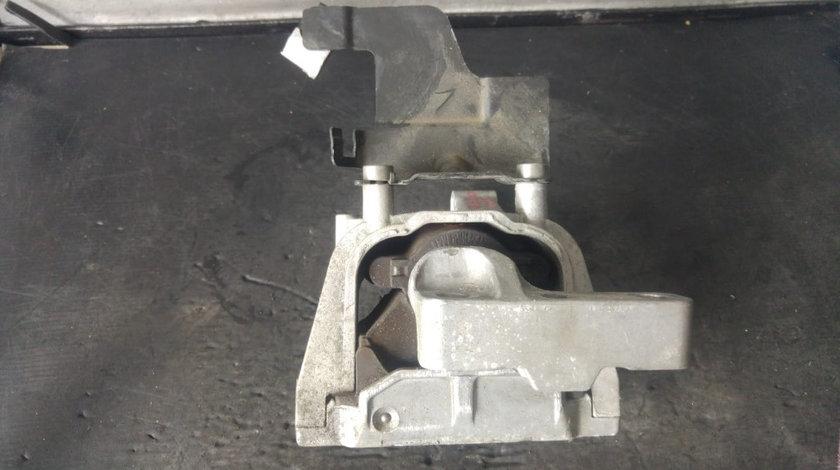 Tampon motor audi q3 8u 2.0 tdi 5n0199262