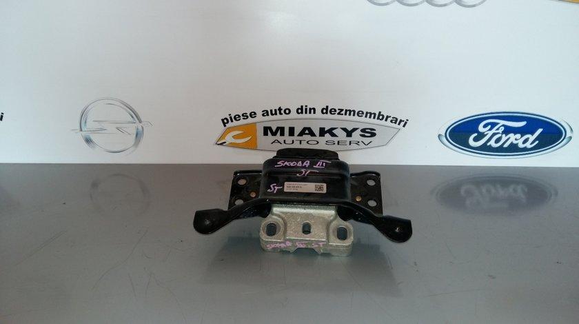 Tampon motor Skoda Octavia 3