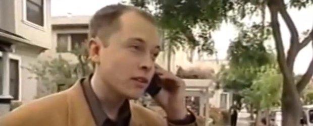 Tanarul Elon Musk isi primeste McLarenul F1 in 1999