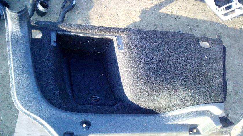 Tapiterie portbagaj VW Passat B6 combi partea stanga