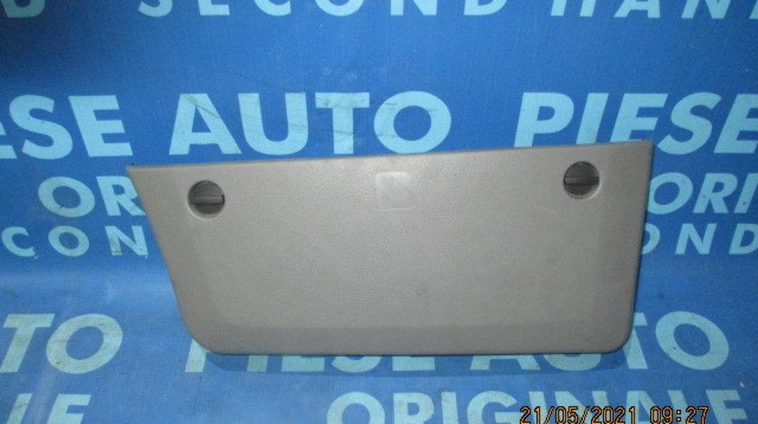 Tapiterie VW Crafter; 9067270471 // 9067270571 (buzunar portiera)
