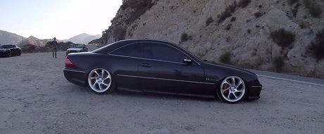 Te lasa cu gura cascata! Este incredibil cat de bine arata acest Mercedes CL55 AMG cu suspensie pe aer.