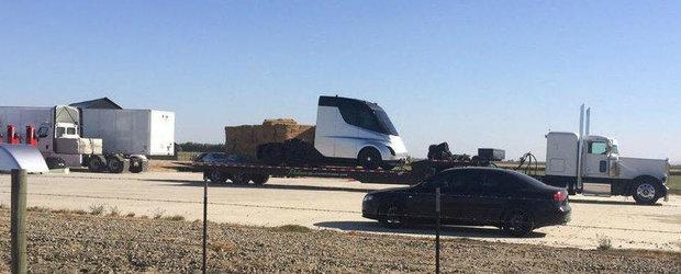 Tesla amana viitorul. Primul cap tractor complet electric se va lansa cu trei saptamani intarziere