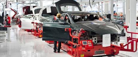 """Tesla ingropata de angajati: """"90% dintre masinile iesite de pe linia de asamblare sunt defecte!"""""""