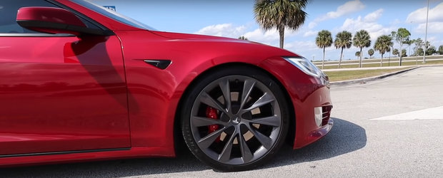Tesla Model S a primit un nou update de soft si accelereaza acum de la 0 la 100 km/h mai repede decat orice Bugatti fabricat vreodata