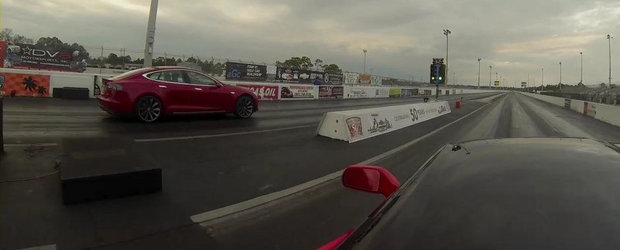 Tesla Model S. Chevrolet Corvette Stingray. DRAG RACE!
