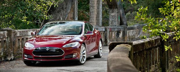Tesla Model S, masina anului 2013 in viziunea Motor Trend