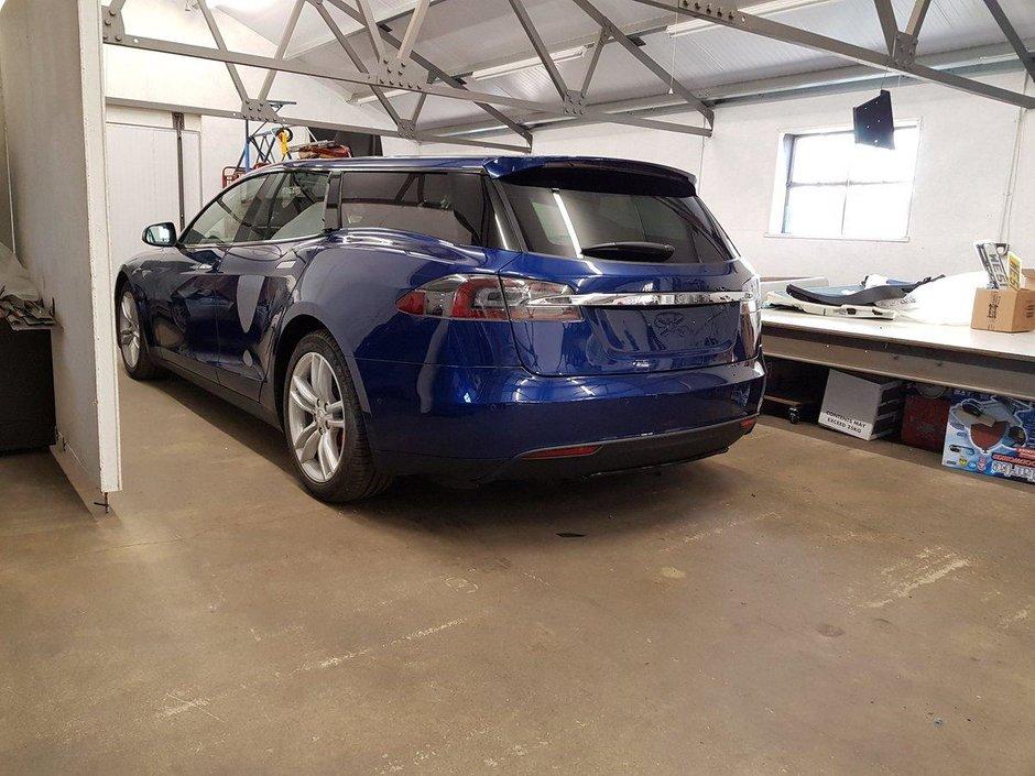 Tesla Model S P90D-SB