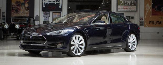 Tesla Model S viziteaza Garajul lui Jay Leno