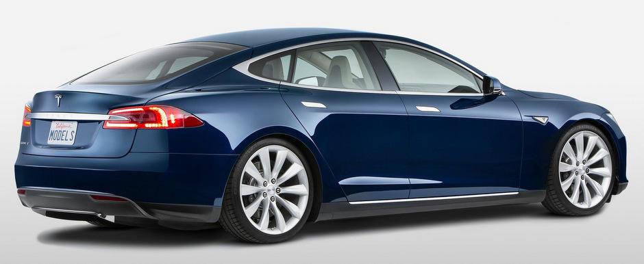 Tesla va lansa un concurent pentru Nissan Leaf