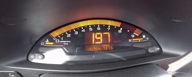 Test de acceleratie cu Honda S2000, japoneza care scoate 240 CP dintr-un motor aspirat de numai doi litri