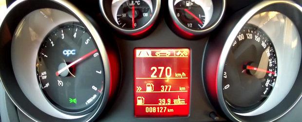 Test de acceleratie la bordul Opel-ului care prinde 270 de kilometri pe ora.