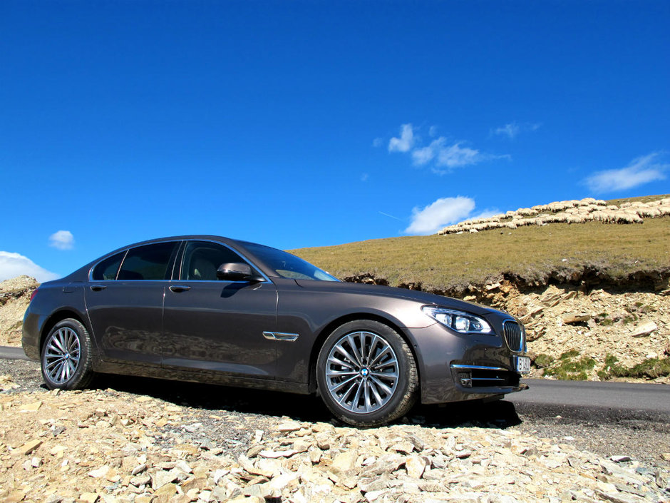 Test Drive BMW 730d xDrive: la inaltime