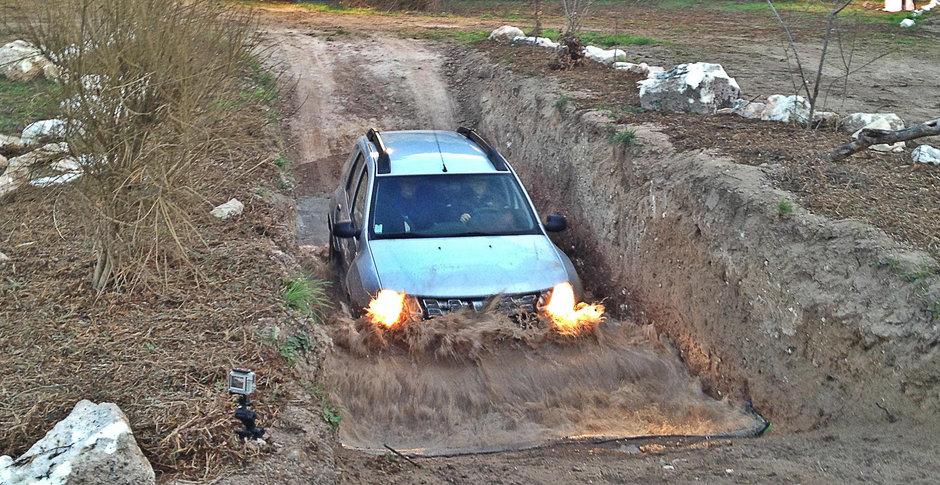 Test Drive Dacia Duster 2014 facelift: dezvoltare interioara