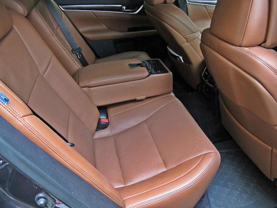 Test Drive Lexus GS250: un Zero plin de lux si eleganta