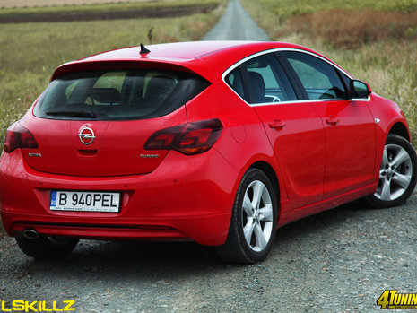 Test Drive Opel Astra 2011