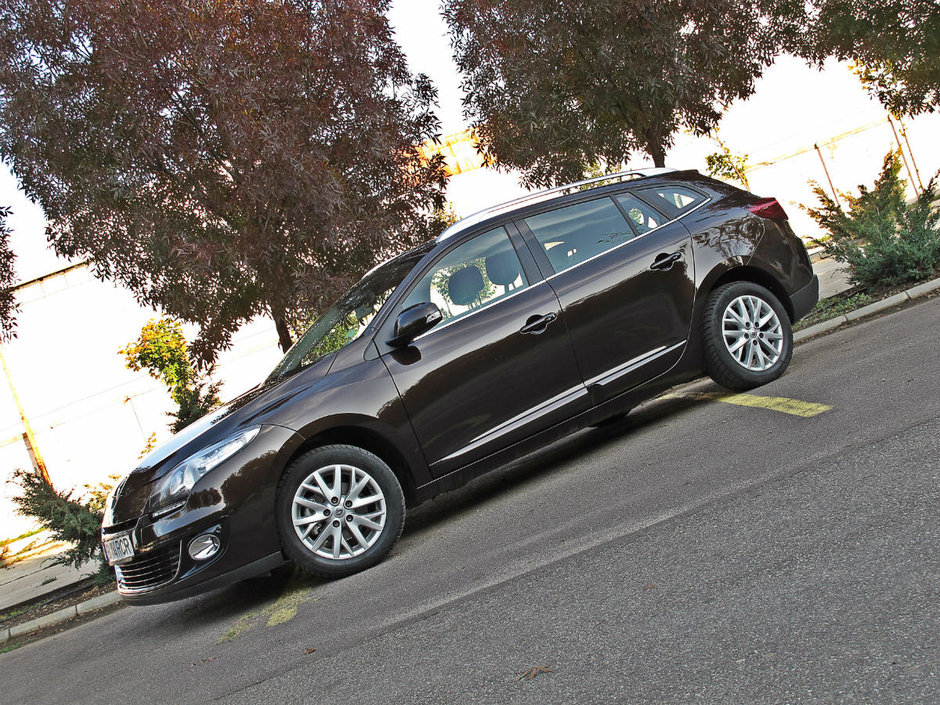 Test Drive Renault Megane ST: plimbare in familie