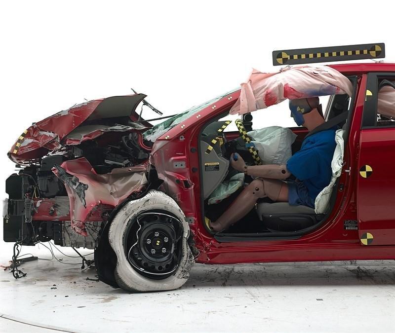 Teste de coliziune Hyundai Elantra