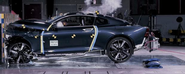 TESTUL pe care Euro NCAP nu il va face niciodata: Cum rezista la impact o masina cu caroserie din carbon