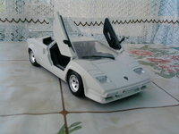 Click image for larger version  Name:countach.jpg Views:64 Size:1.26 MB ID:1768540