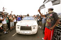 Click image for larger version  Name:Rodman waves the start flag! FLY.jpg Views:177 Size:3.95 MB ID:937968