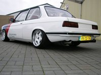 Click image for larger version  Name:BMWe21_l2.jpg Views:1332 Size:45.4 KB ID:774533