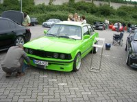 Click image for larger version  Name:bmw%2520treffen%2520duesseldorf%252007%2520_39.jpg Views:248 Size:152.0 KB ID:774597