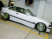 Click image for larger version  Name:eurp_1006_05_o+euro_car_show_wekfest+corvette_wheels.jpg Views:112 Size:67.6 KB ID:1505173