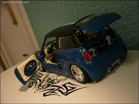 Click image for larger version  Name:Minicoopers541.jpg Views:105 Size:45.0 KB ID:189557
