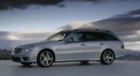 Click image for larger version  Name:0605_2007_mercedes_benz_e63_amg_wagon_01_900.jpg Views:64 Size:44.4 KB ID:199370