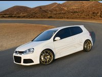 Click image for larger version  Name:pics-max-14974-323619-volkswagen-golf-5-thunder-2006.jpg Views:116 Size:188.7 KB ID:1744386