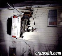Click image for larger version  Name:odd_angle_on_trailer_109.jpg Views:206 Size:28.4 KB ID:39008