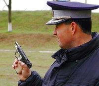 Click image for larger version  Name:politist_pistol3.jpg Views:93 Size:140.4 KB ID:912692