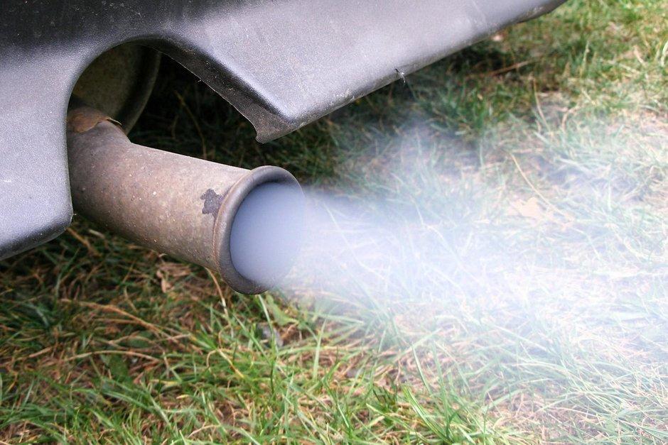 Timbrul de Mediu ar putea fi anulat si reintrodus in pretul carburantului