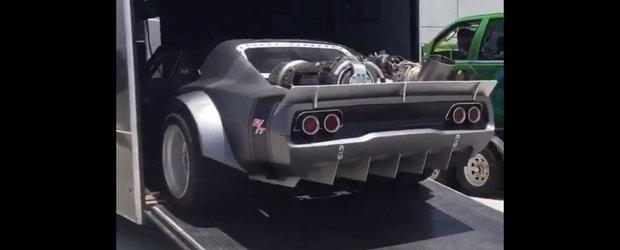 Tine-te bine de scaun. Masina pe care Vin Diesel o va conduce in Fast 8 are... un motor de elicopter in portbagaj?